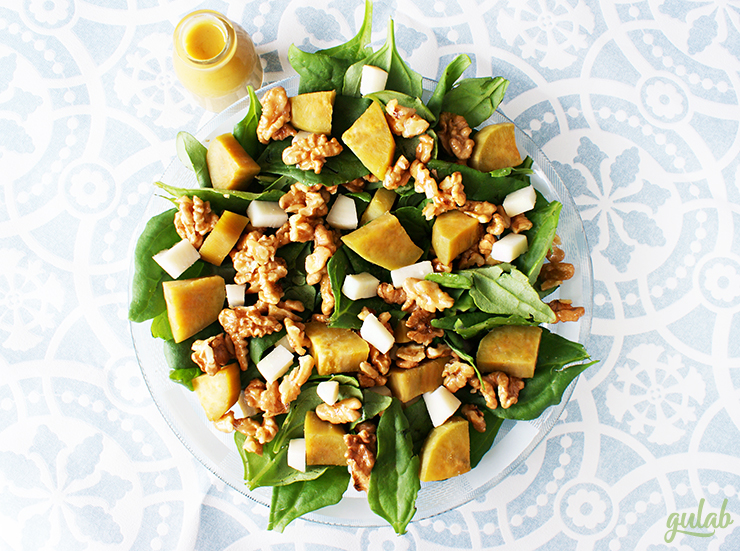 Salada de batata doce com espinafre